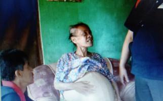 Tolong, Wanita Renta Ini Menderita Penyakit Perut Buncit - JPNN.com