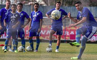 Bhayangkara FC vs Persib Bandung: Lanjutkan Kemenangan - JPNN.com