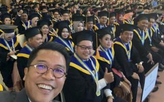 Saran Misbakhun untuk Semangati Lulusan PT agar Berani Bersaing dan Tahan Banting - JPNN.com