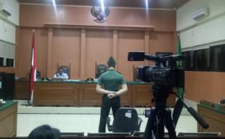 Divonis Penjara Seumur Hidup, Prada Deri Permana Berdiri di Depan Hakim, Menangis - JPNN.com