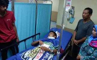 Remaja 15 Tahun Dirampok, Leher Dibacok, Hp Dirampas - JPNN.com
