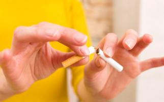 Merokok Bisa Meningkatkan Risiko Strok? - JPNN.com