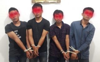 Modal Lem, 4 Pemuda Desa Bobol Uang Nasabah di ATM - JPNN.com