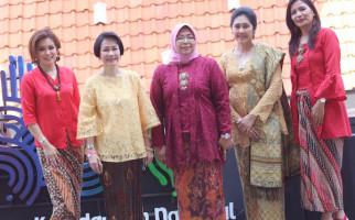Rumpi Kebaya Ajak Milenial Kenali Busana Tradisional - JPNN.com