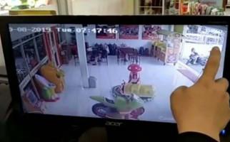 Heboh Anak TK di Tasikmalaya Diduga Diculik Pria Tak Dikenal, Terekam CCTV - JPNN.com