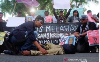 Dua Jurnalis Adukan Oknum PoIisi yang Lakukan Kekerasan ke Propam Polri - JPNN.com