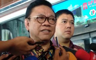 Kabar Baik soal Pak Wiranto dari Agung Laksono: Buang Angin Jadi Sinyal Positif - JPNN.com