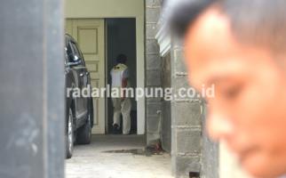 KPK AmankanSejumlah Uang Pecahan Dolar dariRumdis Bupati Lampura - JPNN.com