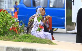 Incar Turis Timur Tengah, Pengemis di Puncak Bisa Kantongi Rp 600 Ribu per Hari - JPNN.com