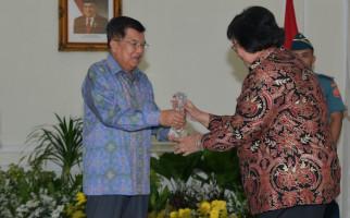 Menteri LHK Terima Penghargaan untuk Inovasi Sipongi dan Proper dari Wapres - JPNN.com