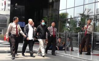 Wali Kota Medan Tiba di KPK Setelah Terjaring OTT, Nih Fotonya - JPNN.com