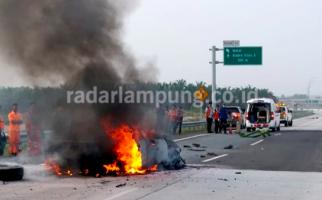 Kisah Heroik Pricilia Menyelamatkan Adiknya Keluar Mobil yang Terbakar di JTTS - JPNN.com