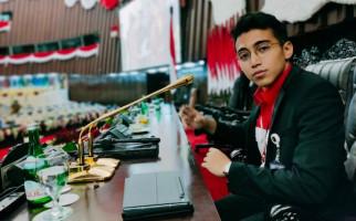 Cerita Vadi Akbar Buatkan Mikrofon Emas untuk Pelantikan Jokowi - JPNN.com
