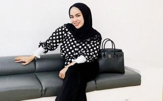 Medina Zein Kecewa Dituding Kacang Lupa Kulit - JPNN.com