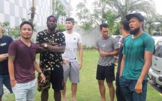 Gaji Tak Kunjung Dibayar Klub, Pemain Kalteng Putra Datangi Rumah Gubernur - JPNN.com