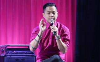 Ade Irawan Meninggal, Ernest Prakasa Ikut Berduka - JPNN.com