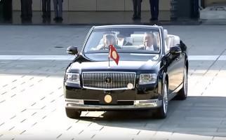 Kaisar Jepang Pensiunkan Rolls Royce Setelah 30 Tahun Menemani - JPNN.com