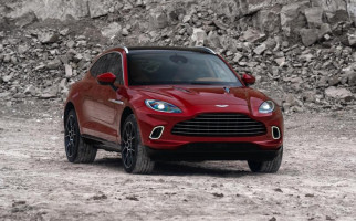SUV Pertama Aston Martin Resmi Mengaspal, DBX Dibebani Tugas Berat - JPNN.com