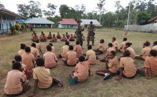 Keren! Satgas Yonif 411 Kostrad Bentuk Karakter Pelajar di Tapal Batas - JPNN.com