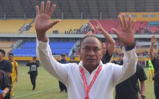 Gagal Bawa Sriwijaya FC Promosi, Kas Hartadi Menangis dan Minta Maaf - JPNN.com