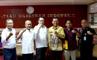 Pemprov Kalsel & PWI Pusat Teken Perjanjian Kerja Sama HPN 2020 - JPNN.com