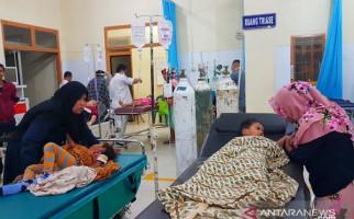 Puluhan Warga Lubuk Palas Asahan Keracunan Makanan Pesta Hajatan - JPNN.com