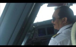Apa Peran Suami Iis Dahlia? Eks Pilot Senior Garuda Blak-blakan - JPNN.com