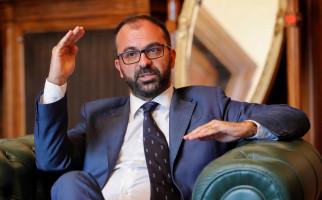 Usulan Anggaran Ditolak, Menteri Pendidikan Italia Mundur - JPNN.com