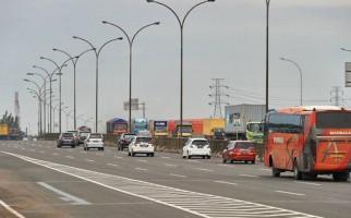 68.758 Kendaraan Keluar Pulau Jawa Melalui Pelabuhan Merak - JPNN.com