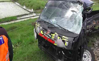 Mobil Terseret Kereta Api 500 Meter, Sopir Tewas di Tempat - JPNN.com