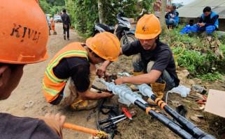 Tiga Kampung di Bogor Masih Gelap Gulita Dampak Banjir dan Longsor - JPNN.com