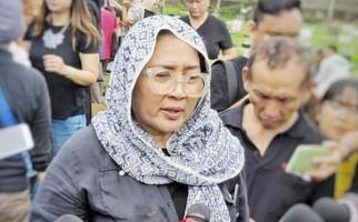 Firasat Dewi Irawan Sebelum Ibunya Meninggal Dunia - JPNN.com