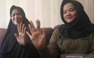 Detik-detik Menegangkan si Gadis Ditodong Perampok Pakai Golok, Berani Melawan - JPNN.com