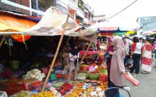 Buat Emak-Emak! Pasar Tradisional DKI Jakarta Diharamkan Pakai Kantong Plastik - JPNN.com
