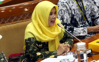 PPPK Mau Terima THR dan Gaji ke-13, Bu Titi Malah Sedih - JPNN.com