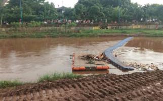 Bocah 11 Tahun Hilang Terbawa Arus Kali Pesanggrahan - JPNN.com