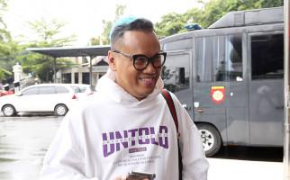 Tampilkan Adegan Wanita Sedang Mandi, Program Garis Tangan Disemprit kpi - JPNN.com