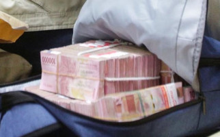 Satpam dan Sopir Curi 3 Koper Berisi Uang Milik Bosnya - JPNN.com