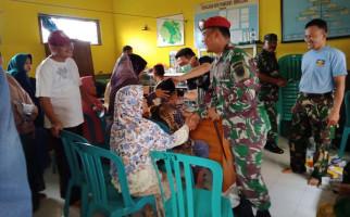 BP Lanal Banyuwangi Bersama Satuan Kopaska Gelar Pengobatan Gratis - JPNN.com