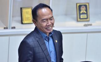Polemik TKA China, Pak Bambang Curiga Ada Kekuatan Besar Intervensi Bu Ida - JPNN.com