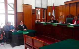 Hakim Mengabulkan Permohonan Putri Natasya menjadi Laki-Laki Tulen - JPNN.com