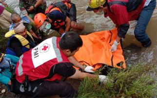 Mayat Wanita Bergelang Persija Mengambang di Ciliwung, Usianya Sekitar 25 Tahun - JPNN.com