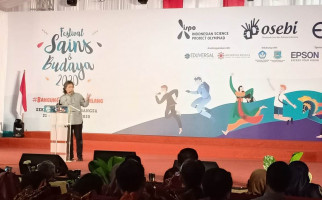 Cak Nun Risau Generasi Milenial Tidak Tahu Cepot dan Bagong - JPNN.com