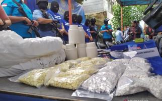 Pabrik Narkoba di Bandung Memproduksi Pil Mengandung Carisoprodol, Apa Itu? - JPNN.com