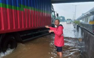 PascaBanjir, Seluruh Gerbang Tol Jakarta-Cikampek Arah Jakarta Beroperasi Normal - JPNN.com