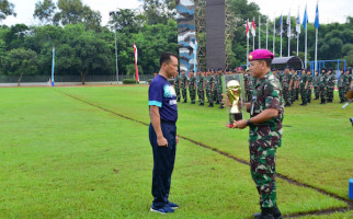 Markas Besar TNI AL Gelar Turnamen Sepak Bola Dandenma Cup 2020 - JPNN.com