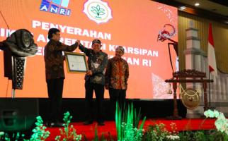 Tata Kelola Arsip, Kementan Raih Dua Penghargaan Sekaligus dari ANRI - JPNN.com