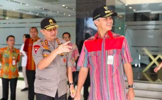 Ancam Penimbun Sembako dan Masker, Ganjar: Jangan Memancing di Air Keruh! - JPNN.com
