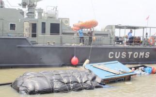 Tim Patroli Laut Bea Cukai Riau Gagalkan Penyelundupan Barang Impor - JPNN.com