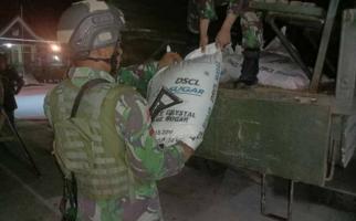1.350 Kg Gula dari Malaysia Diselundupkan Melalui PLBN Entikong - JPNN.com
